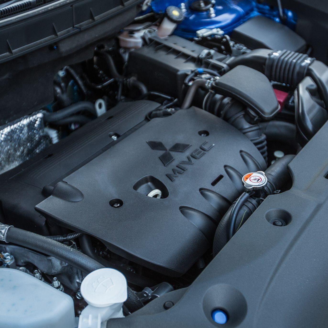 2015-Mitsubishi-Outlander-Sport-GT-2.4L-119